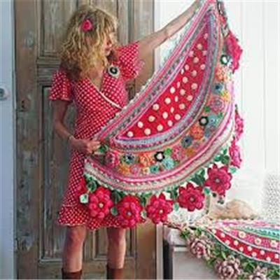 Crochet a stole or pillow with Adinda Zoutman